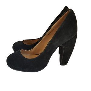 Kimchi Blue Black Suede Curved High Heels Pumps 7
